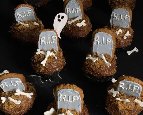 Halloween Chocolate Cupcake graveyard with ginger bread gravestones - Pure Maple